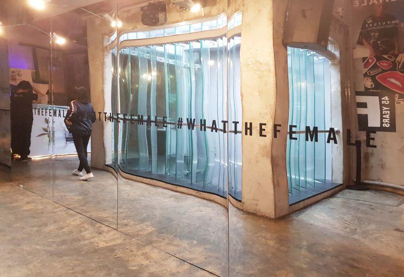 Female Magazine Large Format Printing Reflective Mirror